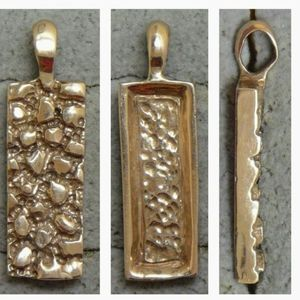 Jewelry - Gold Nugget style pendant